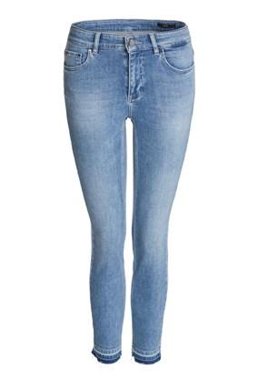 cropped-open-hem-jeans