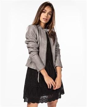 minimalistic-leather-jacket