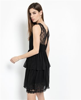 tiered-dress-with-lace
