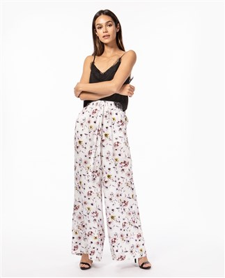 wide-pants-with-flower-print