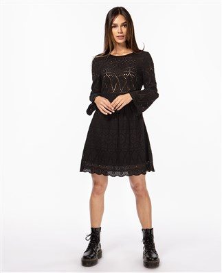 summer-dress-with-lace